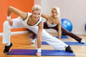 gimnastika-dlya-pogilih-700x467_0003_step-aerobka-5
